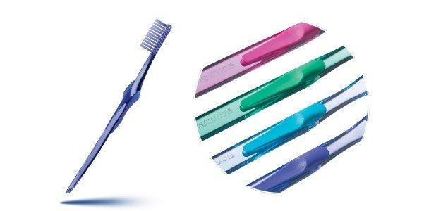 elgydium vitale escova dentes media